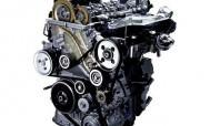 Дизельный двигатель на белом фоне